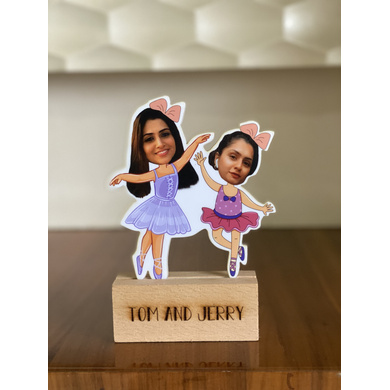Dancing Friends - Photo Caricatures-GIFTINGPC05