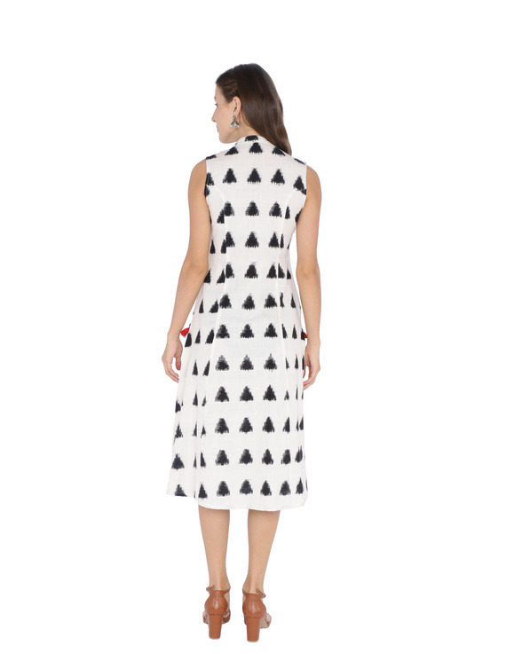 A LINE DOUBLE IKAT DRESS WITH EMBROIDERED POCKETS IN OFF-WHITE & BLACK : LD310B-S-2