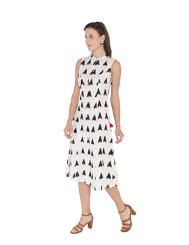 A LINE DOUBLE IKAT DRESS WITH EMBROIDERED POCKETS IN OFF-WHITE & BLACK : LD310B-M-1-sm