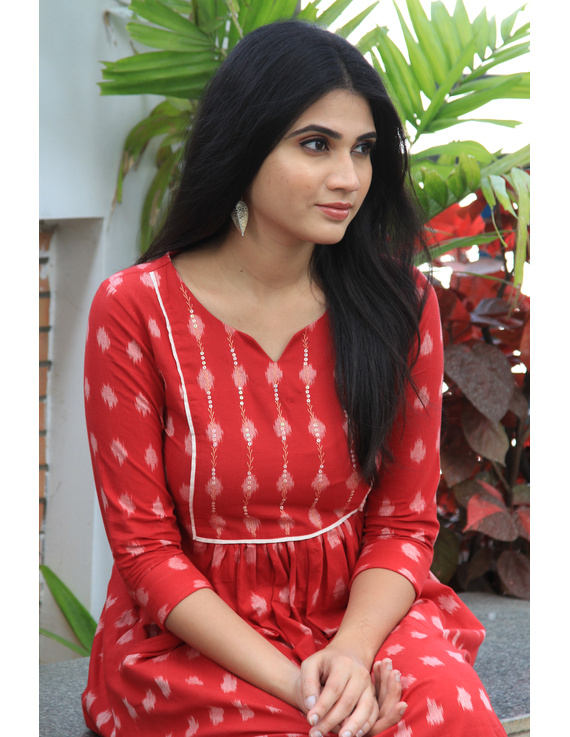 Red ikat dress with embroidered yoke and front pockets: LD530B-M-2
