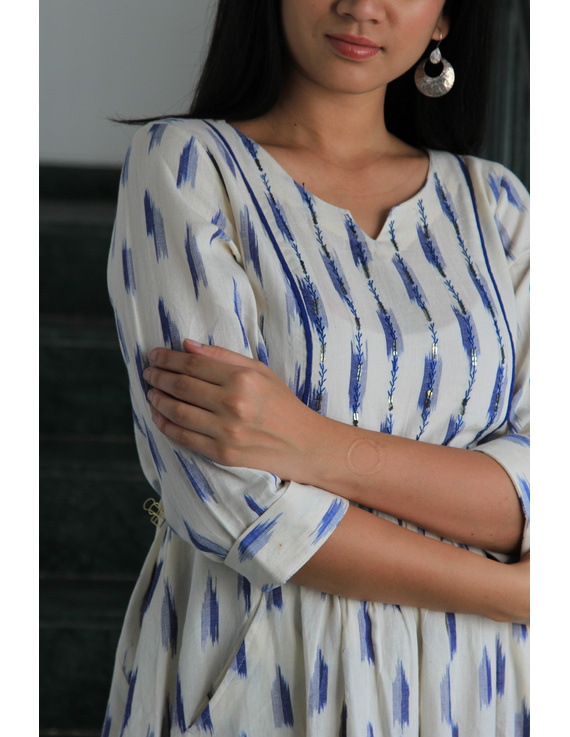 White ikat dress with embroidered yoke and fron pockets: LD530D-s-3