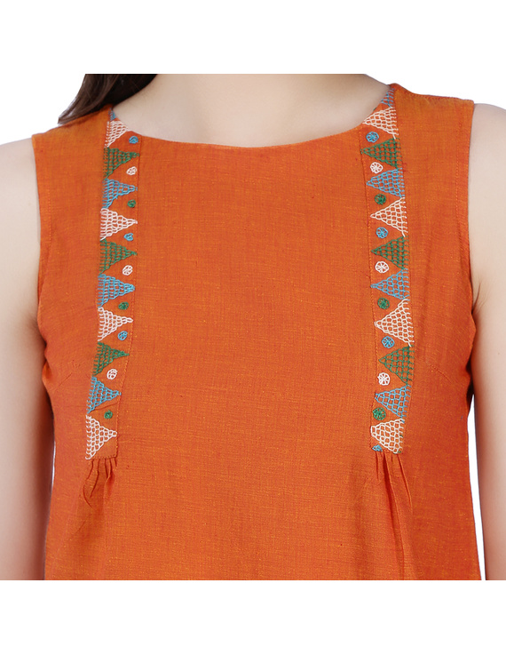 ORANGE MANGALAGIRI TOP WITH MULTICOLOURED EMBROIDERY : LB130A-XL-2