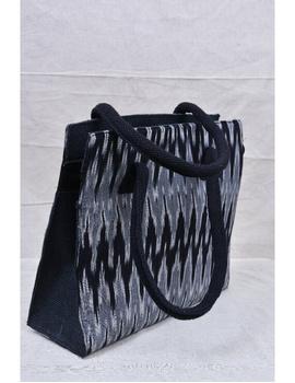 BLACK & GREY IKAT JUTE BOX BAG: TBJ02-1-sm