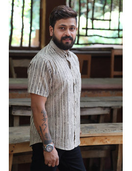 Beige Casual Shirt With Kalamkari Stripes : GT420F-S-Beige-2-sm