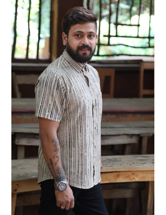 Beige Casual Shirt With Kalamkari Stripes : GT420F-M-Beige-2