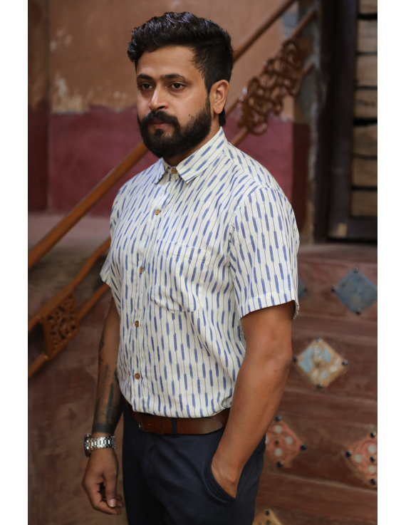White Casual Shirt With Blue Stripes In Ikat Cotton : GT420H-L-White & blue-2