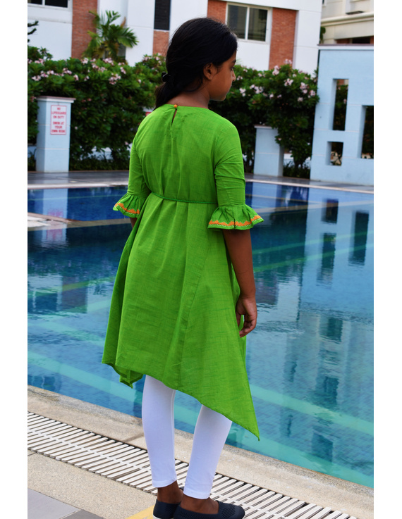 Green Hand Embroidered Kurta With Flared Sleeves: Lk385B-(6-7)-2