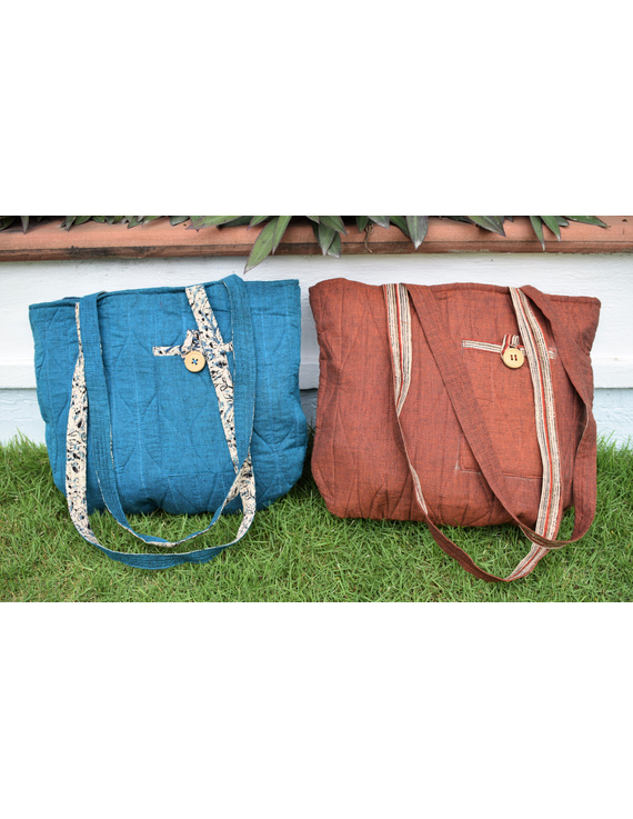 Cyan blue quilted flat bag : TBI02-4