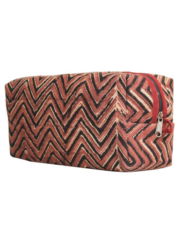 Brown chevron travel pouch : VKP03-3