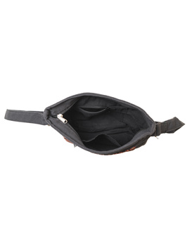 Multi pocket canvas purse in brown kalamkari fabric : SBC01-6-sm