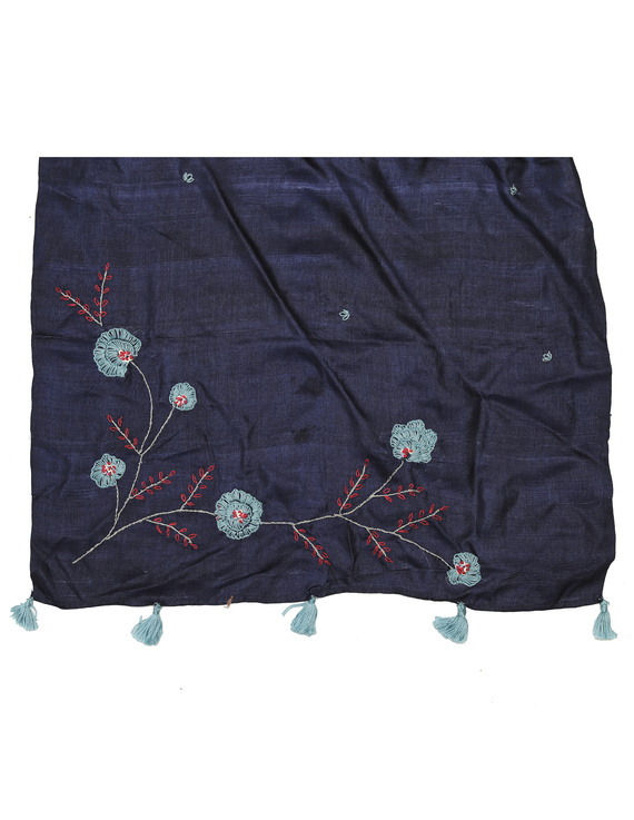 Hand embroidered stole in blue silk: WAS01B-2