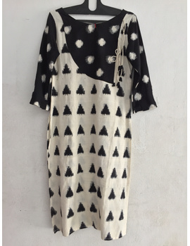 Striking kurta in double ikat fabric.-SK49-sm