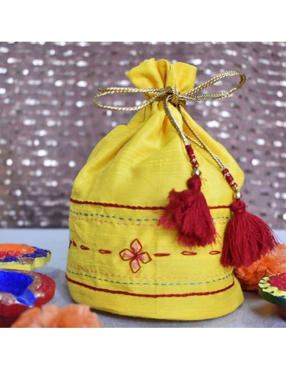 Yellow Silk potli bag : MSP02-MSP02