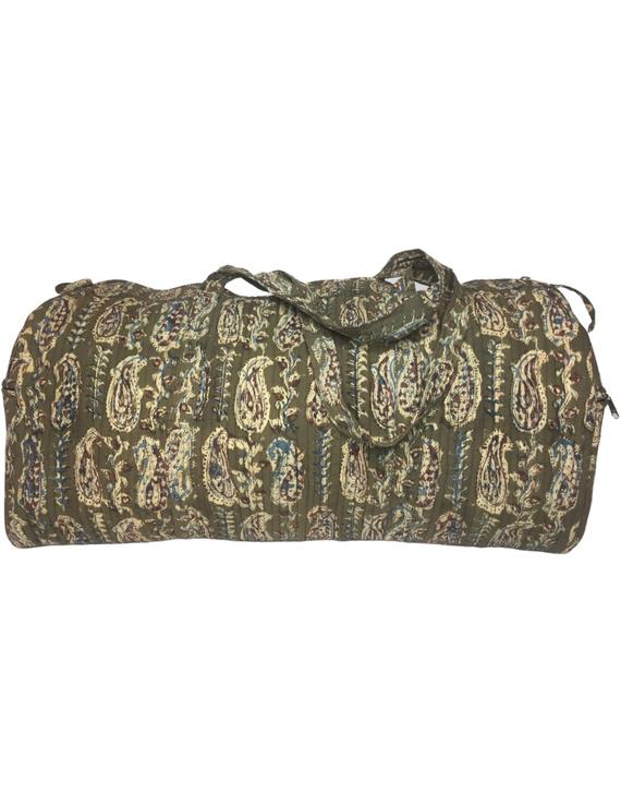 Green kalamkari duffle bag : VBL02-1