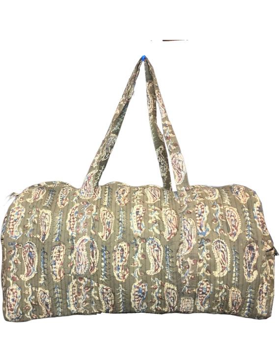 Green kalamkari duffle bag : VBL02-4
