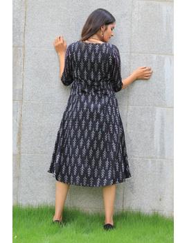 BLACK LEAF IKAT DRESS : LD390A-M-8-sm