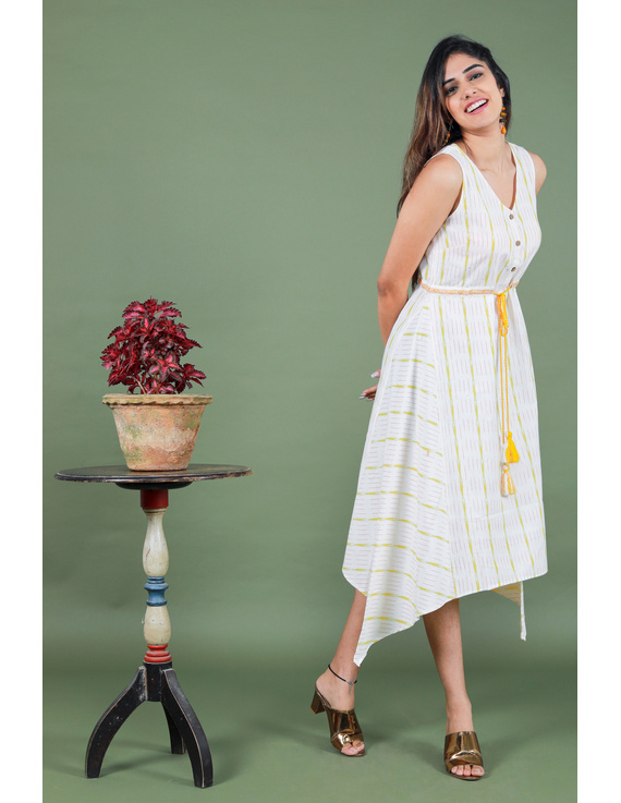 Sleeveless white ikat dress with embroidered belt:LD640A-S-3