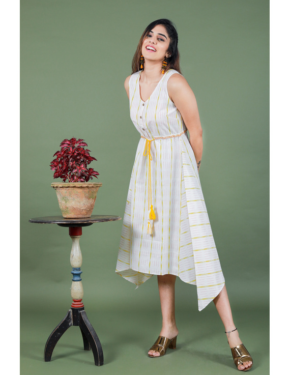 Sleeveless white ikat dress with embroidered belt:LD640A-S-4