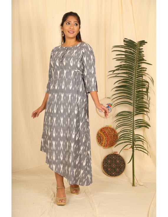 ASSYMETRIC GREY-OFFWHITE IKAT DRESS : LD450E-L-1