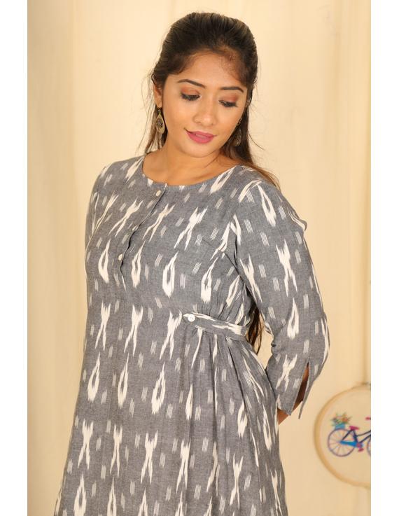 ASSYMETRIC GREY-OFFWHITE IKAT DRESS : LD450E-L-2