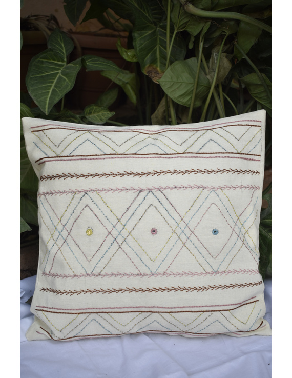 Embroidered cushion cover : HCC36-HCC36