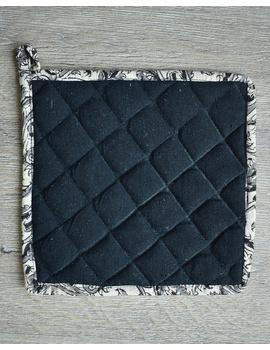 Apron, oven glove and pot holder set in black cotton with kalamkari: HKL01B-4-sm