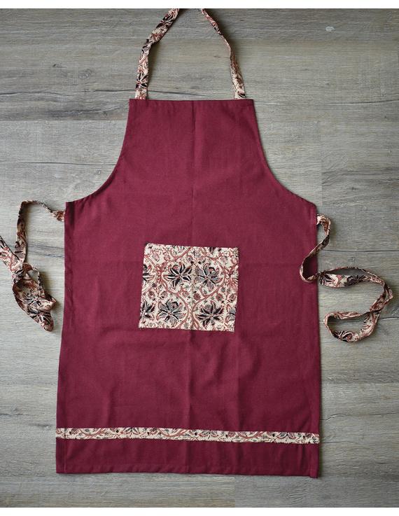 Apron, oven glove and pot holder set in maroon cotton with kalamkari: HKL01C-1