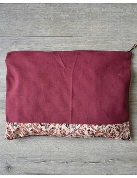 Apron, oven glove and pot holder set in maroon cotton with kalamkari: HKL01C-2-sm
