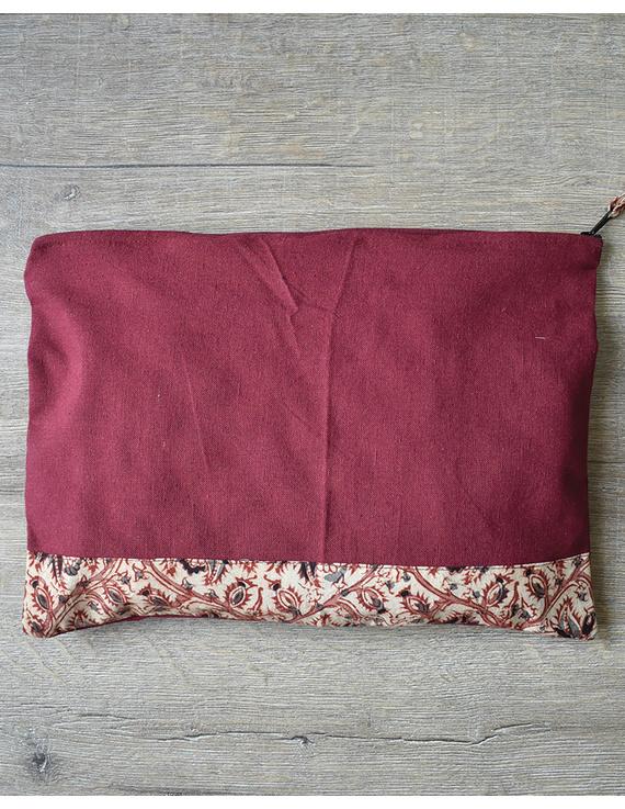 Apron, oven glove and pot holder set in maroon cotton with kalamkari: HKL01C-2