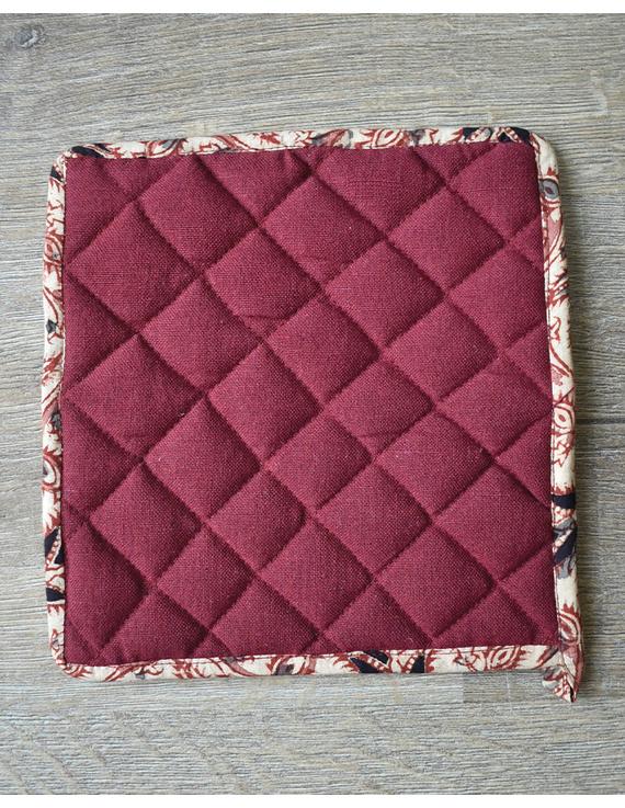 Apron, oven glove and pot holder set in maroon cotton with kalamkari: HKL01C-3