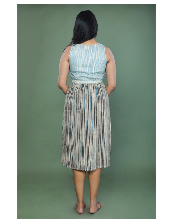SLEEVELESS CALF LENGTH DRESS WITH A FITTED BODY AND STRAIGHT SKIRT : LD490A-S-2