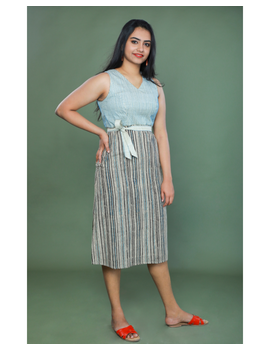 SLEEVELESS CALF LENGTH DRESS WITH A FITTED BODY AND STRAIGHT SKIRT : LD490A-L-1-sm