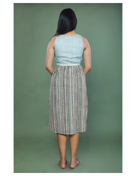 SLEEVELESS CALF LENGTH DRESS WITH A FITTED BODY AND STRAIGHT SKIRT : LD490A-L-2-sm