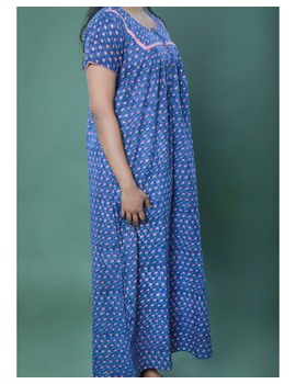 BLUE SANGANERI BLOCK PRINT EMBROIDERED NIGHTY: NW100A-M-4-sm