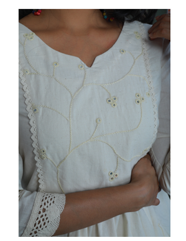 MIRROR WORK DRESS IN OFFWHITE MUSLIN WITH BACK BUTTONS: LD630C-L-3-sm