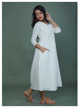 MIRROR WORK DRESS IN OFFWHITE MUSLIN WITH BACK BUTTONS: LD630C-M-1-sm