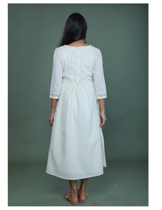 MIRROR WORK DRESS IN OFFWHITE MUSLIN WITH BACK BUTTONS: LD630C-XXL-2