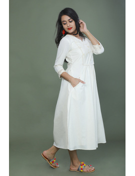 MIRROR WORK DRESS IN OFFWHITE MUSLIN WITH BACK BUTTONS: LD630C-L-2-sm