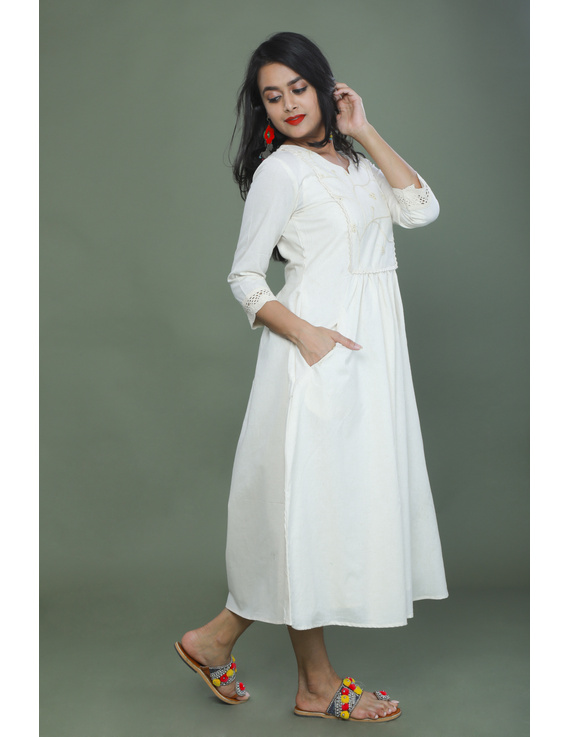 MIRROR WORK DRESS IN OFFWHITE MUSLIN WITH BACK BUTTONS: LD630C-L-2