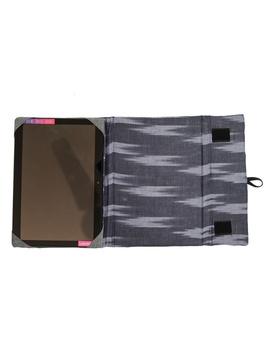 Blue ikat tablet sleeves : LBT01-3-sm