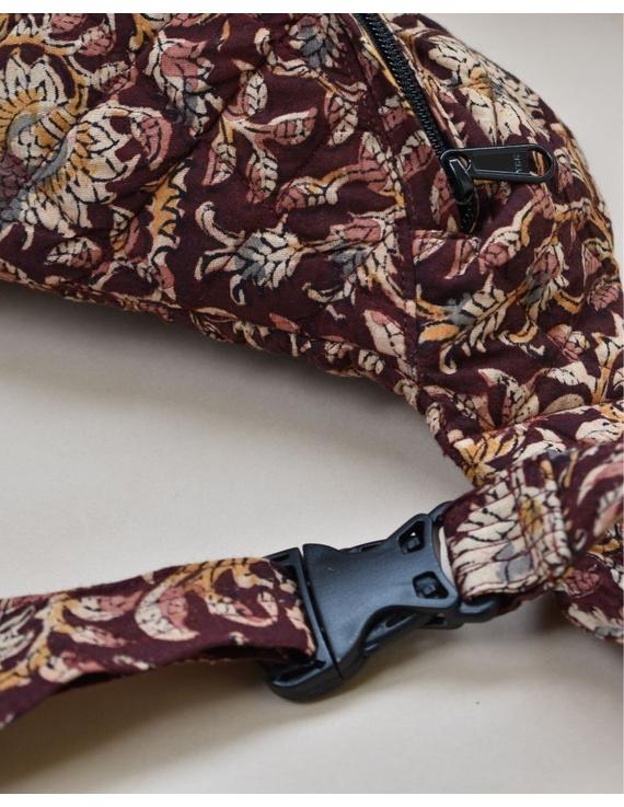 Fanny bag or waist bag in brown kalamkari: VKF01A-2