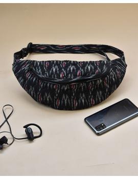 Fanny bag or waist bag in black ikat : VKF01B-1-sm