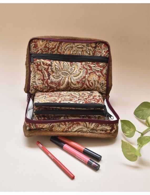 Rust kalamkari jewellery case with 4 zip pockets : VKJ03-1