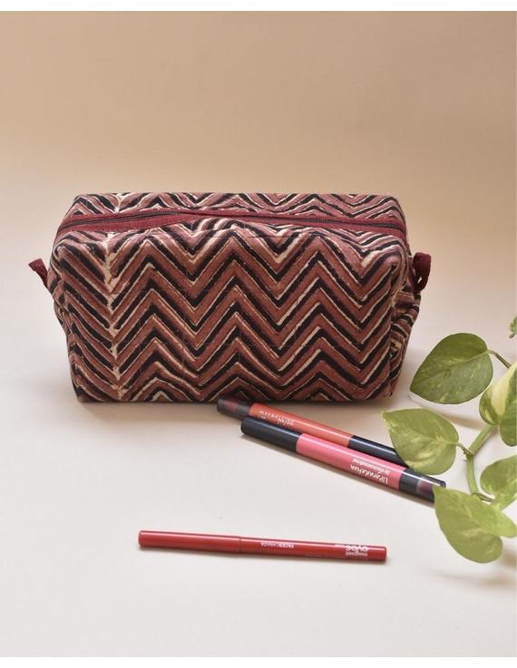 Brown chevron travel pouch : VKP03-VKP03