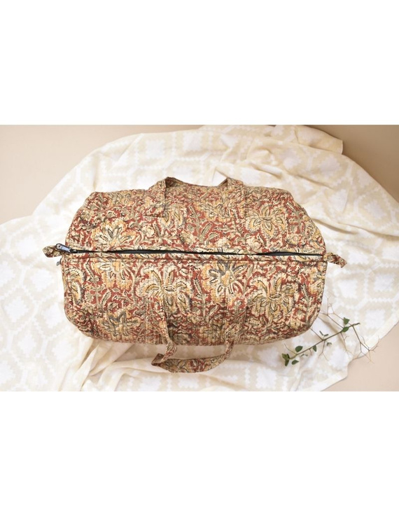 Overnight duffel bag in rust kalamkari : VBS02-1