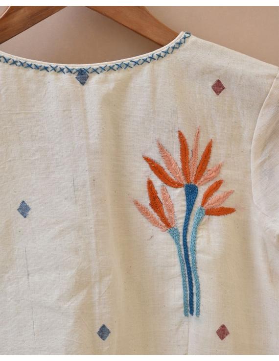 Dandelion motif offwhite jamdani khadi blouse with sleeves: RB07C-XXL-2