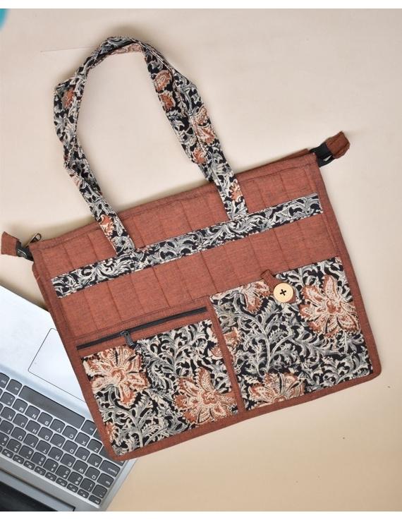 Jute and kalamkari laptop bag - Maroon : LBJ05-LBJ05
