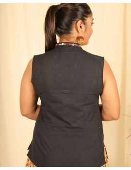 Sleeveless cotton short top with embroidered V neck-LB160-M-Black-2-sm