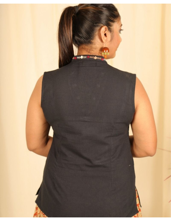Sleeveless cotton short top with embroidered V neck-LB160-XS-Black-2