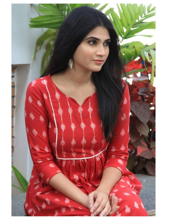 Ikat dress with embroidered yoke and front pockets: LD530-Red-M-5